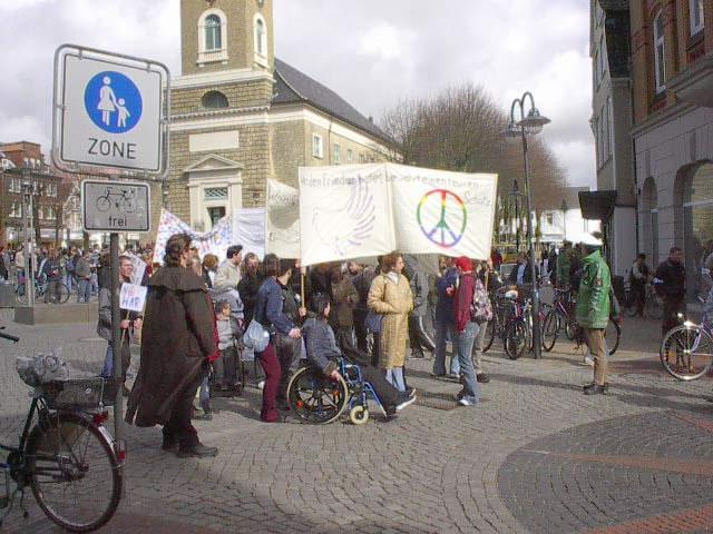 Auch Husum protestierte gegen den Krieg im Irak 2003