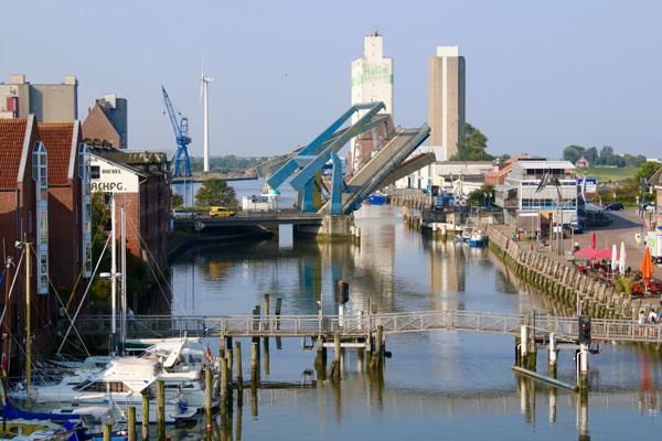 Husumer Hafenklappbrücke: Warten auf Ersatzteile