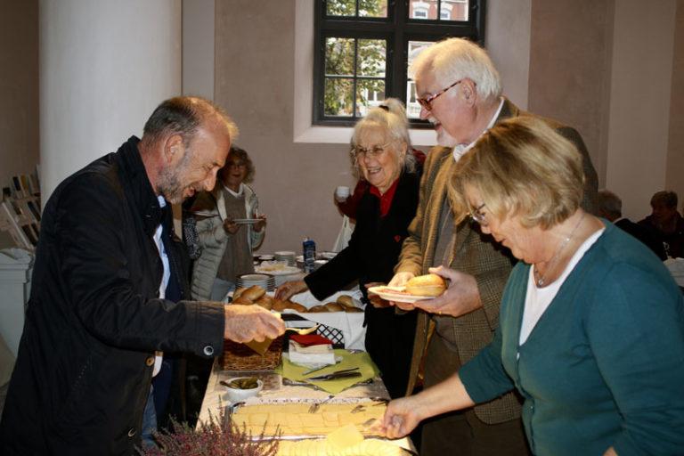 Husumer Stadtwette zu Gunsten der Marienorgel: Dank-Frühstück mit Herz
