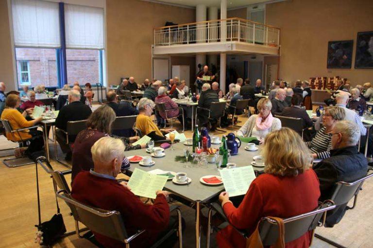 Rathaus Husum: Weihnachtsfeier mit ehemaliger Kollegschaft