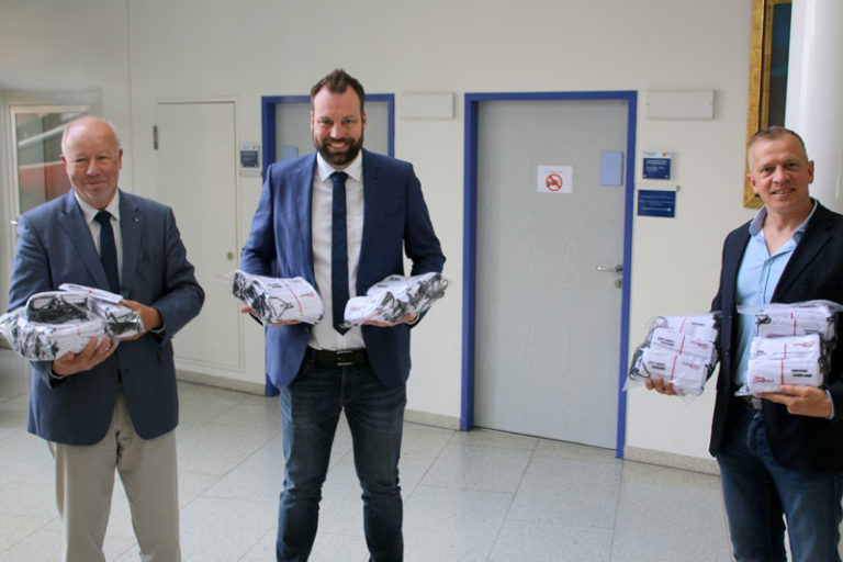 Husum: Tausend Masken für die Stadt