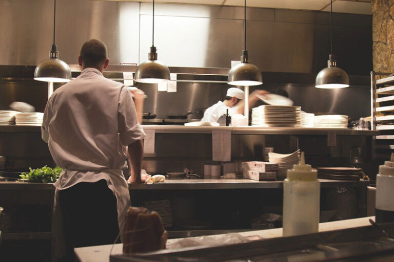 Beratung zu Teilqualifizierung in Hotellerie & Gastronomie in Husum