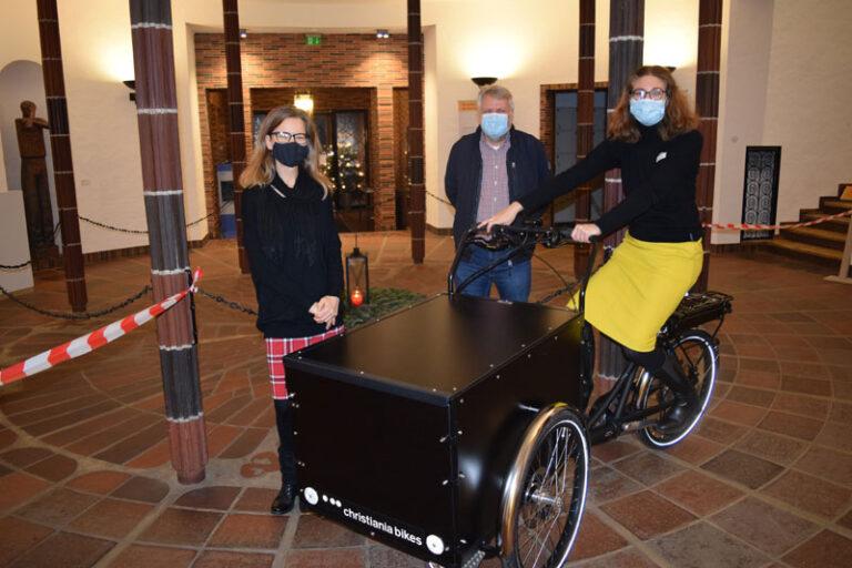 E-Lastenrad für die Husumer Stadtbibliothek
